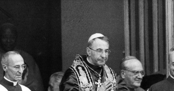 Przyczyną śmierci Jana Pawła I po 33 dniach pontyfikatu była zlekceważona choroba serca - twierdzi wicepostulatorka jego procesu beatyfikacyjnego, watykanistka Stefania Falasca w swej książce. Ujawniła, że to papież nie chciał alarmować lekarza silnym bólem.