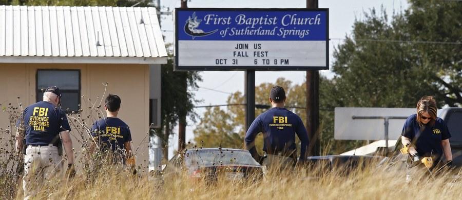 Sprawca masakry w kościele baptystów w Sutherland Springs w Teksasie, 26-letni Devin Patrick Kelley, miał skłonność do przemocy i popadał w konflikty z prawem - wynika z informacji zebranych przez amerykańskie organy ścigania i media. Strzelając z karabinu automatycznego Ruger AR-556, Kelley zabił 26 osób i ranił 20.