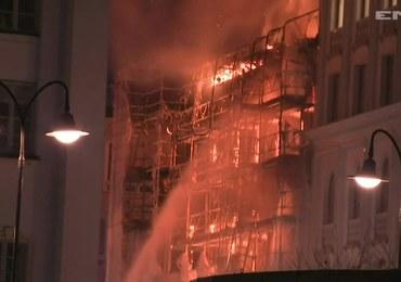 Potężny pożar w centrum Sztokholmu. Słup dymu i iskier unosił się nad miastem
