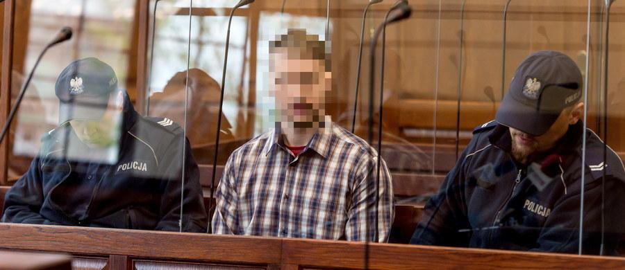 Na karę 20 lat więzienia skazał Sąd Okręgowy we Wrocławiu Pawła R., oskarżonego o podłożenie w maju 2016 roku ładunku wybuchowego we wrocławskim autobusie. Wyrok jest nieprawomocny. Obrońca zapowiedział już, że odwoła się od wyroku 20. Paweł R. był oskarżony o usiłowanie zabójstwa wielu osób przy użyciu materiałów wybuchowych oraz wymuszenie rozbójnicze. Oba te czyny, zdaniem prokuratury, miały charakter terrorystyczny. Sąd uznał R. winnym wszystkich zarzucanych czynów. Prokuratura domagała się dla R. 25 lat więzienia. Obrona chciała wymierzenia oskarżonemu najniższego wymiaru kary.