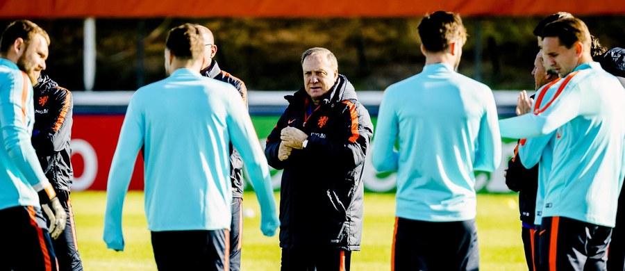 """Dick Advocaat nie chce już być selekcjonerem piłkarskiej reprezentacji Holandii. Doświadczony szkoleniowiec poprowadzi """"Pomarańczowych"""" jeszcze w dwóch najbliższych meczach towarzyskich - ze Szkocją i Rumunią, a potem pożegna się z kadrą."""