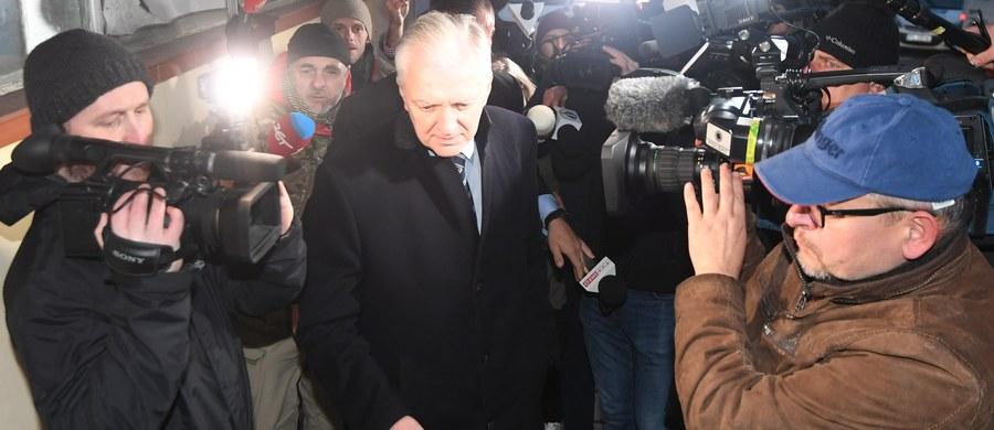 To było dobre spotkanie, bez konkluzji personalnych - powiedział wicepremier Jarosław Gowin o środowej rozmowie kierownictwa partii Zjednoczonej Prawicy: Prawa I Sprawiedliwości, Porozumienia i Solidarnej Polski. O decyzjach personalnych poinformujemy pewnie na przełomie listopada i grudnia - dodał.