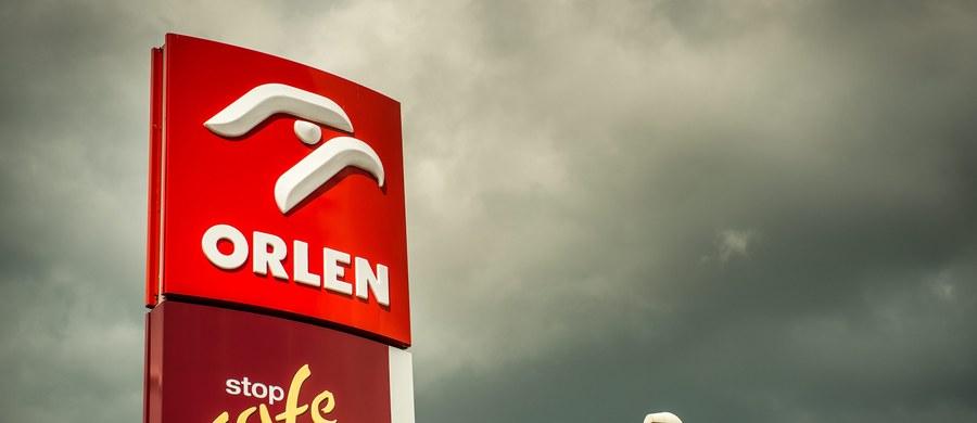 Orlen Paliwa nie odwoła się od wyników przegranego w kuriozalnych okolicznościach przetargu na dostawy paliw dla Centrum Obsługi Administracji Rządowej. Jak dowiedział się reporter RMF FM, taką decyzję - po wewnętrznym postępowaniu - podjęły władze spółki. Państwowy gigant naftowy, mimo że dał najniższą cenę, przegrał z powodu formalnego błędu.