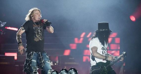 """Guns N'Roses z trasą """"Not In This Lifetime Tour"""" z impetem wkroczą na 13 stadionów w 2018 roku. Grupa wystąpi w poniedziałek 9 lipca na Stadionie Śląskim w Chorzowie. Zespół zagra też jako headliner na 5 letnich festiwalach w Europie."""