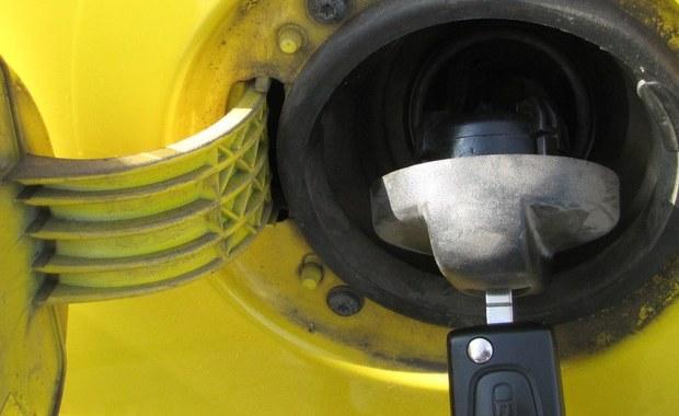 W przyszłym tygodniu litr benzyny 98-oktanowej zdrożeje do ok. 5 zł - prognozują analitycy rynku paliwowego. Dodali, że więcej zapłacimy też za olej napędowy.