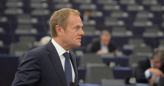 W Brukseli obecność polityka europejskiego na rocznicowych obchodach w swoim kraju jest traktowanego jako coś normalnego. Mało kto w zastanawia się, dlaczego Donald Tusk przyjął zaproszenie od prezydenta Andrzeja Dudy na oficjalne uroczystości Święta Niepodległości teraz, a nie np. w zeszłym roku.