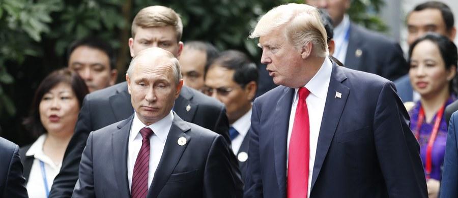 """Kontynuacja walki przeciwko ISISw Syrii """"uratuje wiele ludzkich istnień"""" - powiedział prezydent USA Dondald Trump, odnosząc się do amerykańsko-rosyjskiego oświadczenia, które uzgodnił z prezydentem Rosji Władimirem Putinem podczas szczytu APEC."""