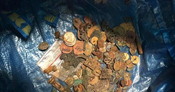 Czterech mężczyzn zostało aresztowanych w związku z kradzieżą skarbu Wikingów z muzeum uniwersyteckiego w Bergen w Norwegii. Jednym z zatrzymanych jest paser. Udało się odzyskać część zbioru, którą przechowywał w swoim domu.
