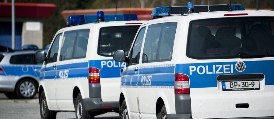 W Kolonii i innych miastach Nadrenii na zachodzie Niemiec rozpoczął się karnawał, którego punktem kulminacyjnym będzie tradycyjnie Różany Poniedziałek 12 lutego 2018 roku. Policja zatrzymała już ok. 50 osób; część z nich pod zarzutem molestowania seksualnego.