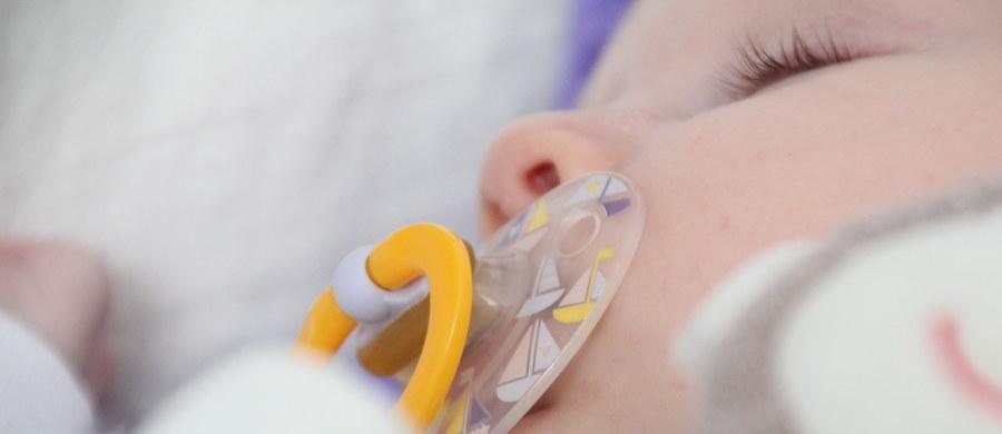 Aby lepiej chronić zdrowie polskich wcześniaków, trzeba rozszerzyć program profilaktyki zakażeń wirusem RS na dzieci urodzone między 28. a 32. tygodniem ciąży – przekonują eksperci na kilka dni przed Światowym Dniem Wcześniaka, który przypada 17 listopada.