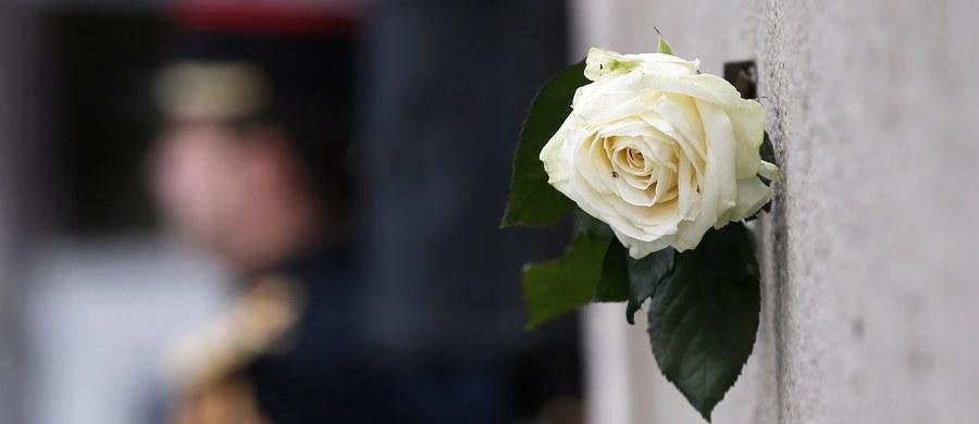 """W drugą rocznicę zamachów w Paryżu, w których zginęło 130 osób, a kilkaset odniosło rany, Laurent Nunez, szef francuskiego kontrwywiadu mówi w wywiadzie dla """"Le Figaro"""", że wola Państwa Islamskiego, by atakować Francję, nie osłabła. Jak wynika z ujawnionych wyników śledztwa, seria ataków terrorystycznych Państwa Islamskiego (IS) w Paryżu i Saint-Denis z 2015 roku była systematycznie przygotowywana przez wiele osób."""