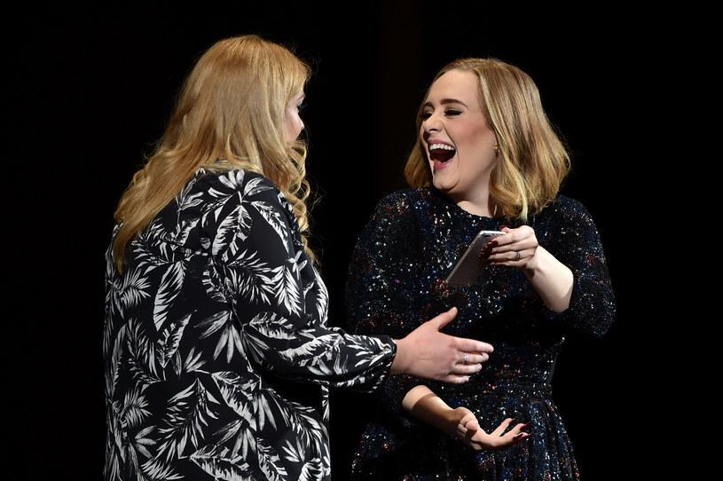 Gwiazda, która zapowiedziała, że więcej nie uda się w trasę koncertową, ostatnio otrzymała bardzo korzystną ofertę. Adele miałaby zaśpiewać na dwóch imprezach arabskiego miliardera. Za występy planowano jej zapłacić aż 1,3 miliona dolarów. Piosenkarka jednak nie skorzystała z propozycji i odmówiła. Jaki był powód?