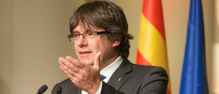 Belgijski prokurator zażądał w piątek wykonania wobec zdymisjonowanego szefa regionalnego rządu Katalonii Carlesa Puigdemonta i jego współpracowników Europejskiego Nakazu Aresztowania. Obrona przedstawi sądowi swoje argumenty 4 grudnia.