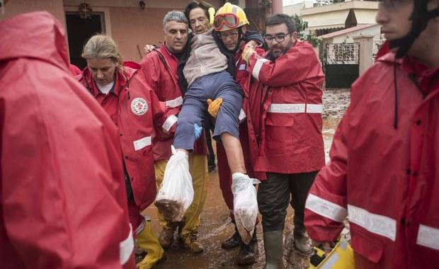 19 osób straciło życie z powodu gwałtownych deszczy i wywołanych nimi podtopień. Ulewy nawiedzają Grecję od środy.