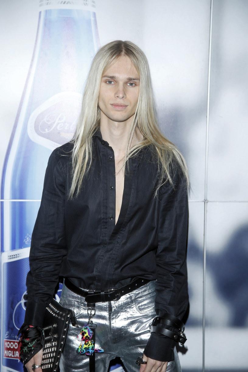 """""""Nie taki hejt się miało, więc teraz to już pikuś"""" - opowiada Mateusz Maga, uczestnik programów """"Top Model"""" i """"Agent - gwiazdy"""", który na początku roku zadebiutował jako wokalista."""