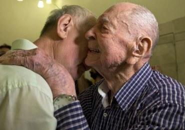 Ma 102 lata, przeżył Holocaust. Żył w przekonaniu, że stracił całą rodzinę