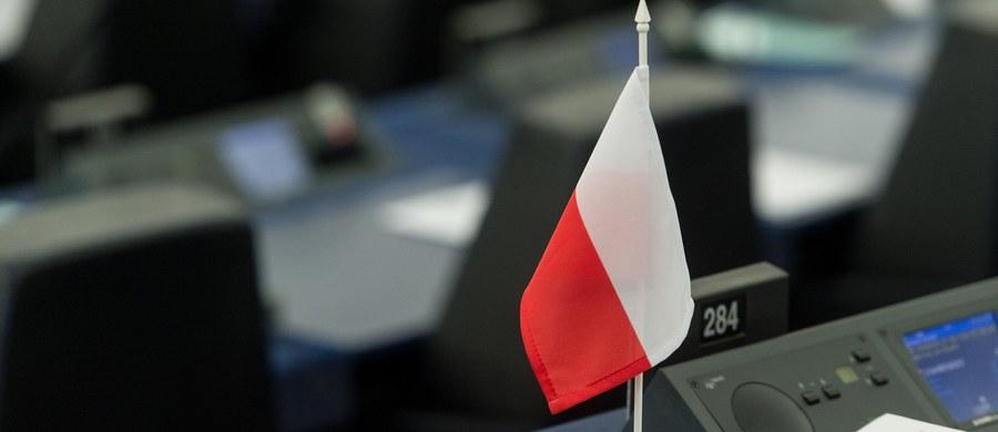 Szef warszawskich struktur Młodzieży Wszechpolskiej Mateusz Marzoch złożył w imieniu MW zawiadomienie o podejrzeniu popełnienia przestępstwa przez europosłów PO, którzy głosowali za przyjęciem rezolucji PE ws. praworządności w Polsce.