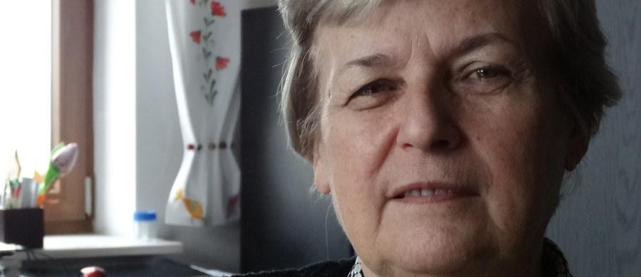 """""""Dorośli, którzy przeszli właściwą drogę terapeutyczno-edukacyjną, odnajdują się w społeczeństwie i sobie radzą. Mamy jednak często do czynienia z osobami, które nie miały szansy na odpowiednią diagnozę w dzieciństwie, popełniono wobec nich sporo błędów terapeutycznych"""" - mówi RMF FM psycholog kliniczny, Alina Perzanowska. Przyznaje, że czesto są to osoby pełne różnych negatywnych, traumatycznych doświadczeń, łącznie z epizodami leczenia psychiatrycznego szpitalnego, które - wydaje się w tym momencie - że nie było konieczne. Im potrzebne są przede wszystkim akceptacja i poczucie bezpieczeństwa."""