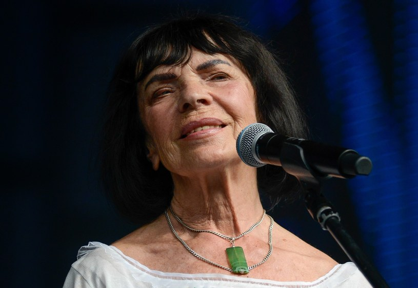 W młodości szukała mężczyzny, który zaspokoi jej potrzebę miłości. I znalazła. Jest nim mąż Jan Krzyżanowski, z którym łączą artystkę wspólne pasje i przyzwyczajenia. Przeżyli razem ponad 50 lat!