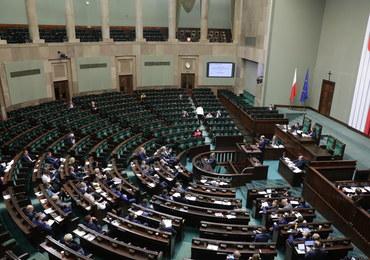 I czytanie projektu ws. KRS. Burzliwe obrady Sejmu, głębokie podziały między partiami