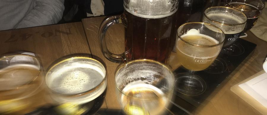 Powolne wprowadzanie prohibicji czy walka z zalewem punktów sprzedaży alkoholu? Sejm zdecyduje dziś, czy na nowo uregulować sprawę zezwoleń na sprzedaż alkoholu. Projekt zakłada, że gminy  będą mogły wprowadzać zakaz sprzedaży alkoholu od 22 do 6 rano.