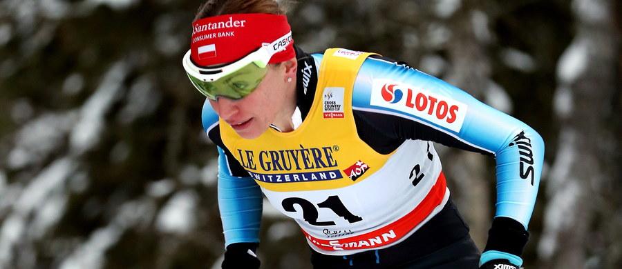 Justyna Kowalczyk zajęła 24. miejsce w biegu na dochodzenie na 10 km techniką dowolną narciarskiego Pucharu Świata w fińskim Kuusamo. Triumfowała Szwedka Charlotte Kalla. Polka straciła do niej 2.40,3 s. Druga była Norweżka Marit Bjoergen - 9,7 s straty, a trzecia jej rodaczka Ragnhild Haga - 33,9.