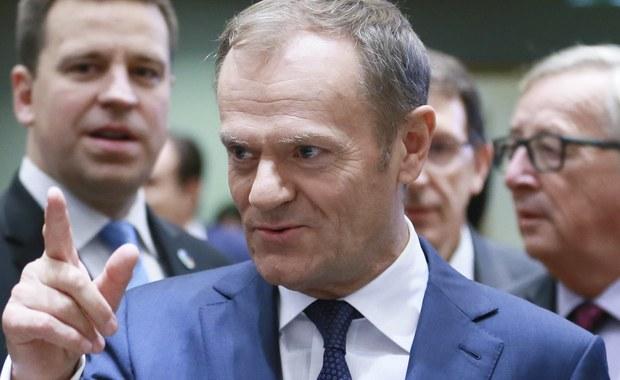 """Według prezydenta Andrzeja Dudy szef Rady Europejskiej Donald Tusk wpisem na Twitterze na temat Polski """"wykroczył poza swoje kompetencje przewodniczącego Rady Europejskiej"""". """"Zauważono to w wielu krajach, zrobił rzecz nieprzyzwoitą"""" - ocenił w TVN24 prezydent."""
