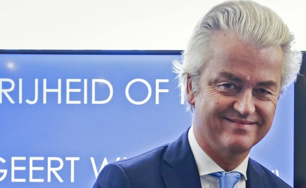 Geert Wilders - fanem Rosji. Lider antyimigranckiej holenderskiej Partii Wolności ogłosił, że zamierza niebawem odwiedzić ten kraj. Holenderskie MSW ostrzega tymczasem przed próbami wpływania przez Moskwę na opinię publiczną w Holandii poprzez szerzenie nieprawdziwych informacji i trolling internetowy.