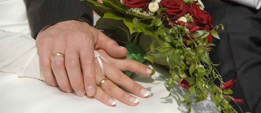 Krwawe wesele pod ukraińskim Kijowem. W wyniku sprzeczki ochroniarz restauracji dźgnął pana młodego nożem. Mężczyzna zmarł po kilku godzinach.