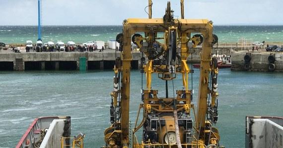 Przed zaginięciem 15 listopada argentyńskiego okrętu podwodnego ARA San Juan woda wtargnęła przez chrapy do jego wnętrza, powodując krótkie spięcie w baterii akumulatorów - poinformował w poniedziałek rzecznik marynarki wojennej Argentyny Enrique Balbi.