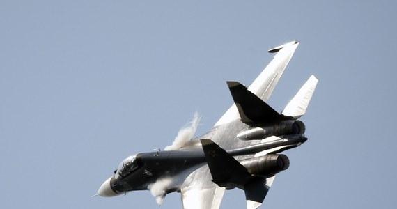 Niebezpieczny incydent nad Morzem Czarnym. Rosyjski myśliwiec Su-30 zbliżył się do amerykańskiego samolotu zwiadowczego P-8A Poseidon w międzynarodowej przestrzeni powietrznej.