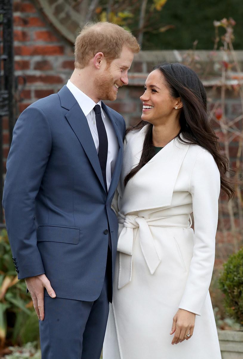 Ślub księcia Harry'ego z amerykańską aktorką Meghan Markle odbędzie się w maju w kaplicy św. Jerzego na zamku w Windsorze - podał we wtorek rzecznik księcia. Para o swoich zaręczynach poinformowała poprzedniego dnia.