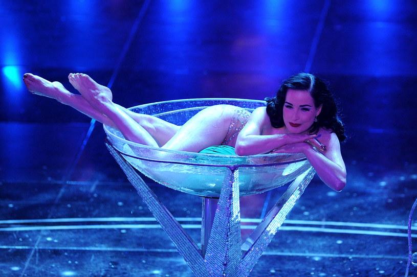 "Popularna aktorka, modelka i tancerka, Dita Von Teese, przygotowuje debiutancki album. Płytę promuje singel ""Rendez-Vous""."