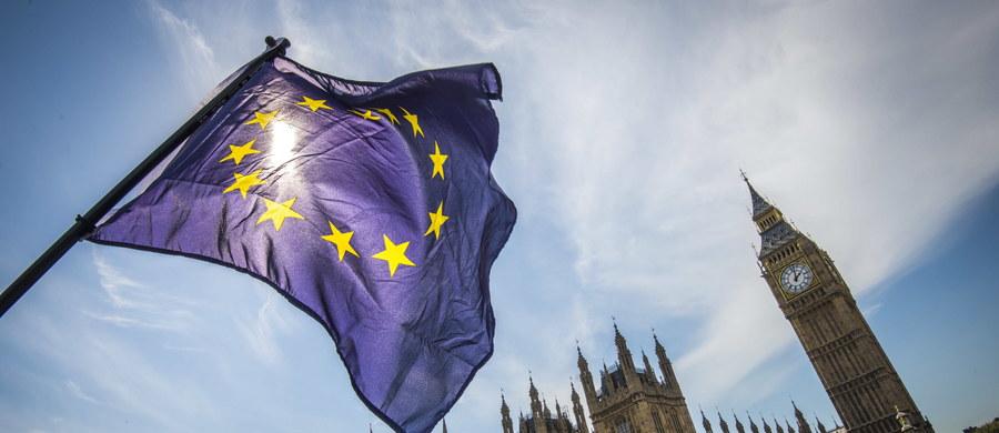 """Odnosząc się do doniesień medialnych o tym, że Wielka Brytania i Unia Europejska porozumiały się w sprawie rozliczeń związanych z Brexitem, brytyjska wiceminister finansów Liz Truss określiła je jako """"spekulacje"""". Jak dodała, rozmowy na ten temat wciąż trwają."""