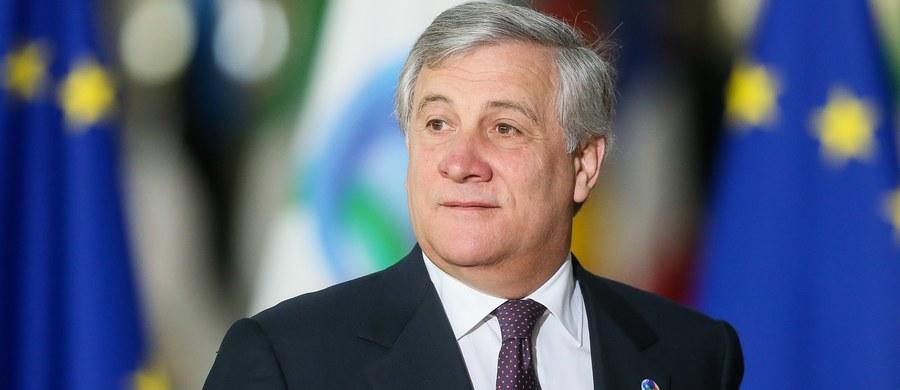 Przewodniczący Parlamentu Europejskiego Antonio Tajani wysłał list do premier Beaty Szydło ws. powieszenia na atrapach szubienic zdjęć europosłów PO. Do tego incydentu doszło podczas sobotniej demonstracji narodowców w Katowicach.