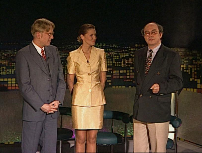 """""""Na dachu wieżowca Polsatu wylądował helikopter i wysiadł z niego prowadzący ten program"""". To właśnie zdanie usłyszeliśmy 6 października 1993 w pierwszym odcinku talk-show """"Na każdy temat"""" zatytułowanym """"Seks w szkole""""."""