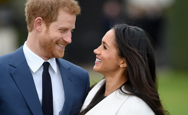 Chciały skorzystać na zaręczynach księcia Harry'ego i Meghan Markle, a zostały oskarżone o seksizm. Chodzi o reklamę, jaka pojawiła się w samolotach linii British Airways.