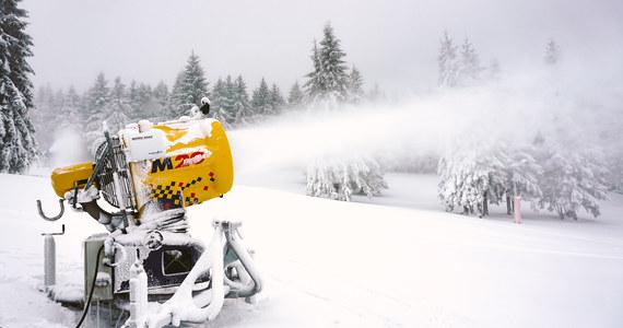 Dobre wieści dla miłośników białego szaleństwa. Już jutro ma rozpocząć się sezon narciarski na Kasprowym Wierchu. Na pierwsze zjazdy zaprasza także dolnośląski Zieleniec.
