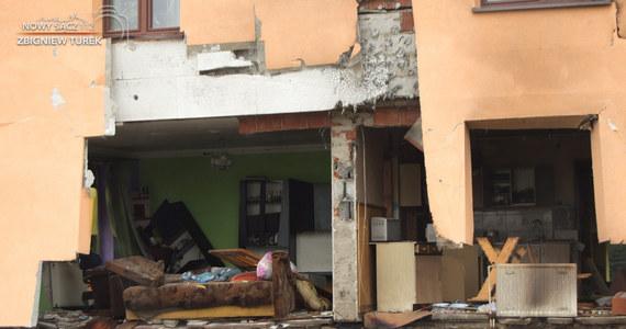 2 młode kobiety ucierpiały podczas wybuchu butli z gazem w domu jednorodzinnym w Olszance w Małopolsce. Zdjęcia i film z miejsca zdarzenia publikujemy dzięki uprzejmości serwisu Nowy Sącz 112.