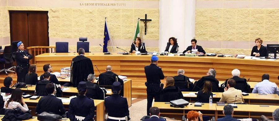 """28 marca przyszłego roku przed sądem dla nieletnich w Bolonii rozpocznie się proces trzech młodocianych sprawców brutalnego ataku na polskich turystów w Rimini, gwałtu i napaści na inne osoby - podał w niedzielę lokalny dziennik """"Il Resto del Carlino""""."""