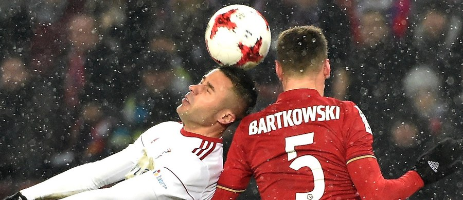 Górnik Zabrze, po niezwykle emocjonującym spotkaniu, pokonał w Krakowie Wisłę 3:2. Dzięki tej wygranej podopieczni Marcina Brosza umocnili się na pierwszym miejscu w tabeli ekstraklasy.