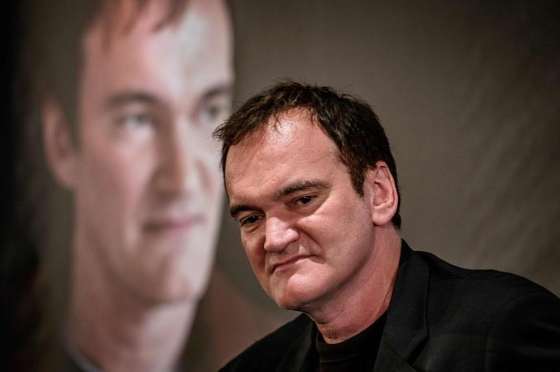 """Nowy film Quentina Tarantino, w którym pojawi się historia bandy Charlesa Mansona i dokonanych przez nią morderstw, wejdzie do kin 9 sierpnia 2019 roku - podaje """"Variety"""". Tym samym jego premiera zbiegnie się z 50. rocznicą śmierci Sharon Tate - żony Romana Polańskiego, zamordowanej w ósmym miesiącu ciąży przez bandę Mansona."""