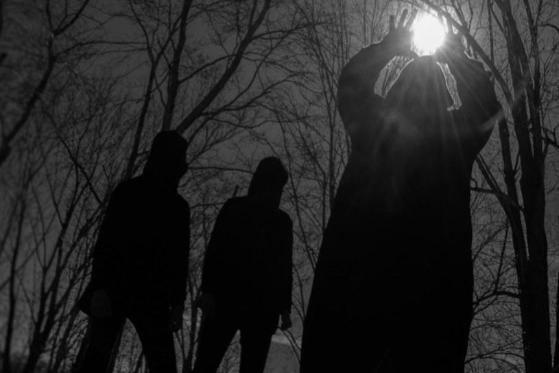 """""""For A Black Tomorrow"""" - to tytuł debiutanckiego albumu amerykańskiej grupy Deathwhite."""
