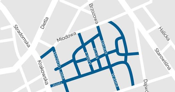 Od wtorku na Kazimierzu obowiązuje strefa ograniczonego ruchu. Do ścisłego centrum dzielnicy, czyli w ulice otaczające Plac Nowy, wjadą tylko mieszkańcy, taksówki oraz samochody dostawcze. Ruch jednokierunkowy obowiązuje natomiast na części ulic Miodowej, Estery, Halickiej i Józefa.