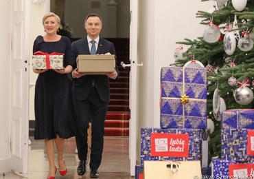 """Para prezydencka przekazała prezenty w ramach akcji """"Szlachetna Paczka"""""""