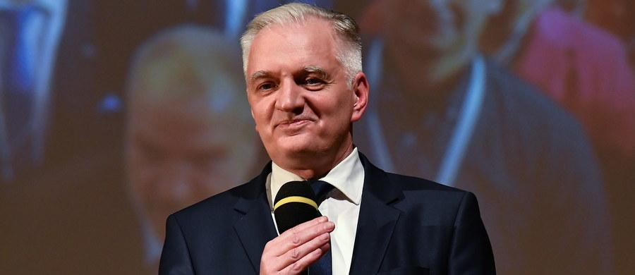 Podpisaliśmy z Jarosławem Kaczyńskim i Zbigniewem Ziobro porozumienie o wspólnym starcie w wyborach do Parlamentu Europejskiego - poinformował w Kielcach lider Porozumienia Jarosław Gowin, podczas konwencji regionalnej ugrupowania Porozumienie.