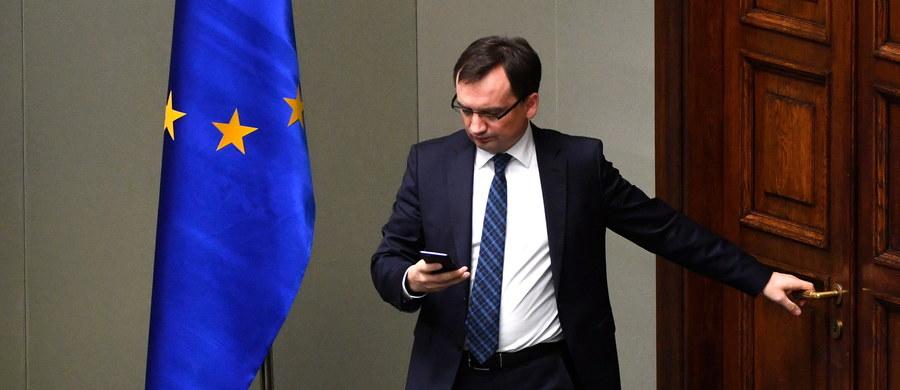 Zbigniew Ziobro - minister sprawiedliwości i prokurator generalny - został w sobotę ponownie wybrany na prezesa Solidarnej Polski - podał PAP rzecznik MS Jan Kanthak. Kadencja prezesa SP potrwa cztery lata.
