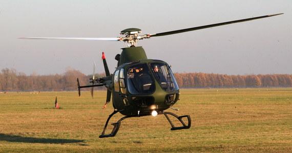 Podczas lądowania na wojskowym lotnisku w Dęblinie przewrócił się śmigłowiec. Informację dostaliśmy na Gorącą Linię RMF FM.