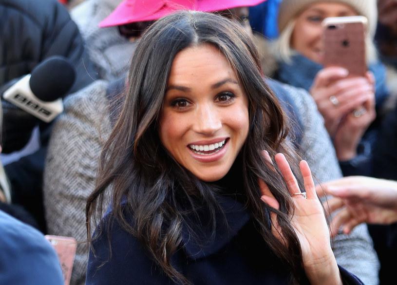 Wzięta aktorka, modelka, działaczka charytatywna, a od niedawna również narzeczona jednego z najbardziej wpływowych Brytyjczyków. Meghan Markle, która już wkrótce poślubi księcia Harryego, a tym samym dołączy do rodziny królewskiej, to prawdziwe medialne objawienie.
