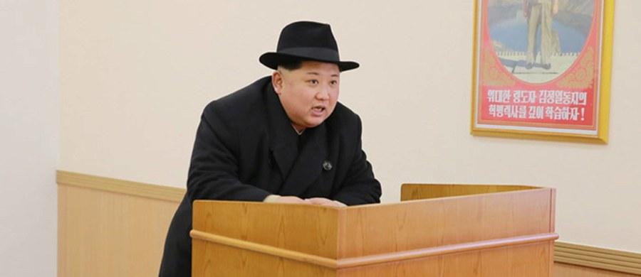 """Szansa na wojnę na Półwyspie Koreańskim wynosi obecnie 30 proc., ale jeśli Kim Dzong Un przeprowadzi kolejny test bomby jądrowej, to wzrośnie ona do 70 proc. - twierdzi republikański senator Lindsay Graham w rozmowie z """"The Atlantic""""."""